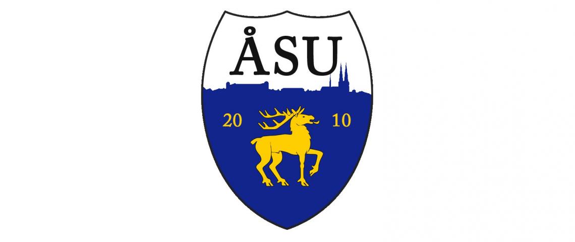 ÅSU logo med ett gult ritat klövvilt på.